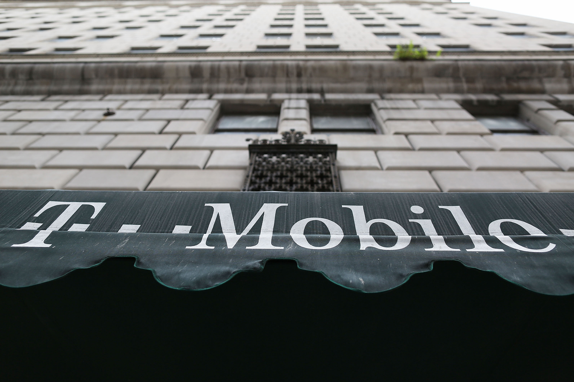 T mobile us inc tmus stock is the cream of the carrier crop t mobile us inc tmus stock is the cream of the carrier crop stock market news us news biocorpaavc Image collections