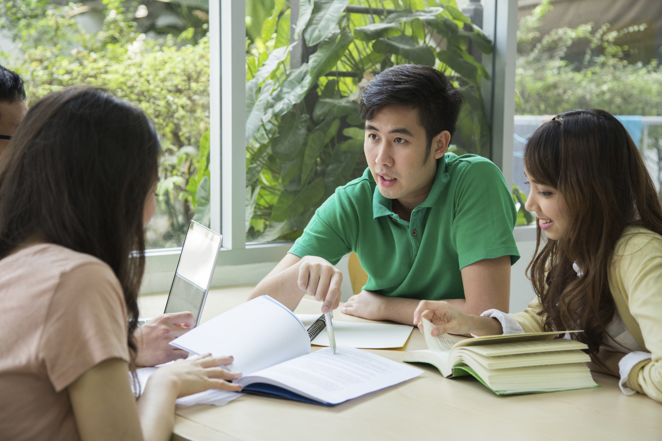 5 Tips to Help International Students Select U.S. College Classes | International Student Counsel | US News