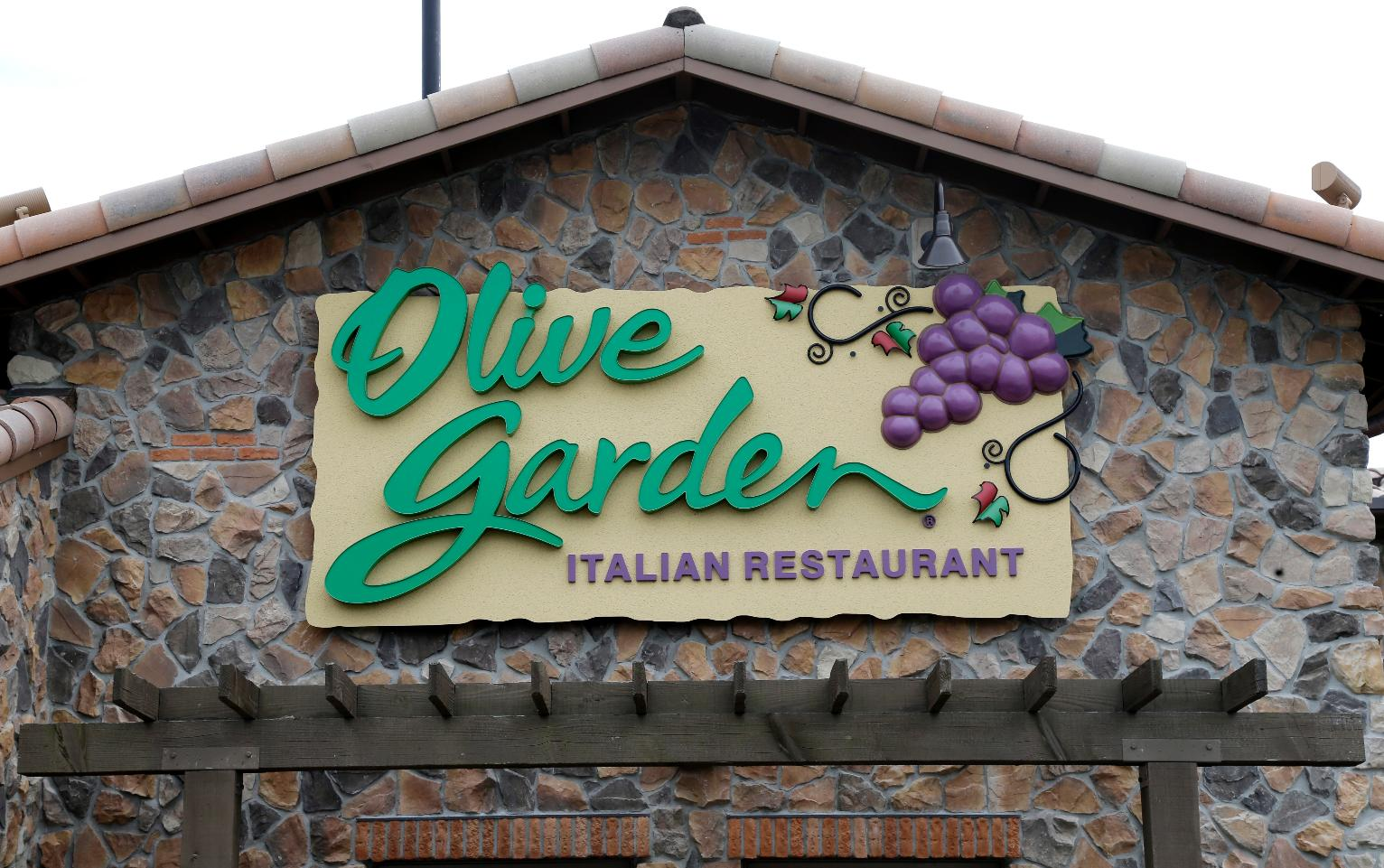 Darden Ceo Says Millennials Still Enjoy Chains Like Olive Garden Business News Us News
