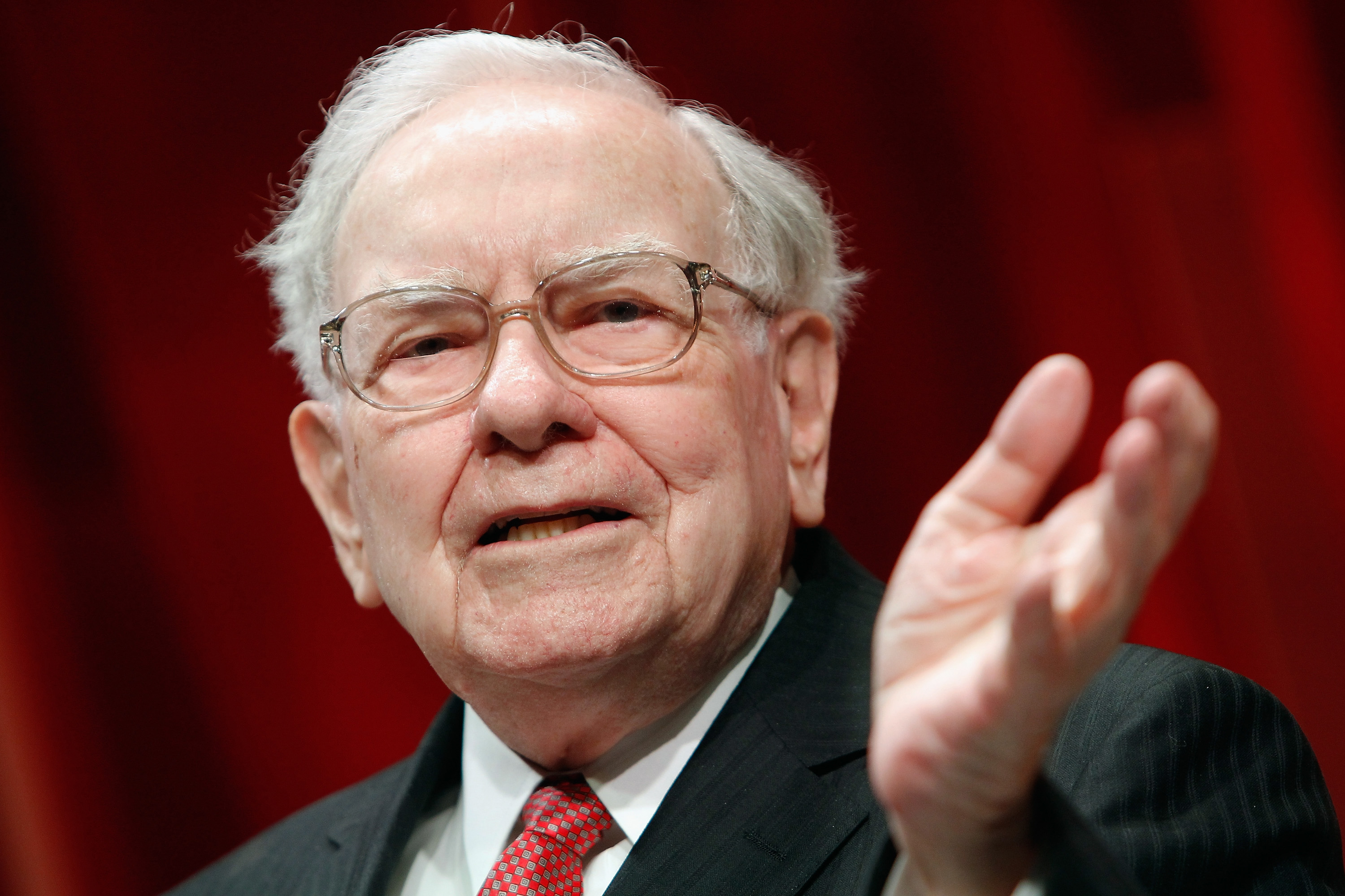 Why Warren Buffett Snapped Up Apple Stock (AAPL) | Investing | US News