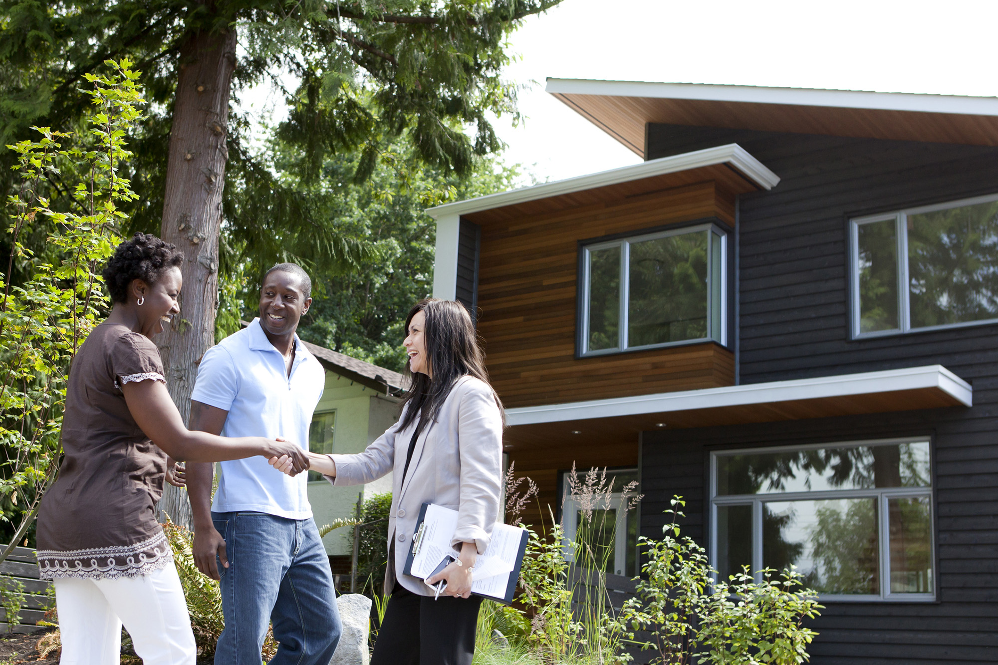 what homebuyers should look for when touring a home real estate