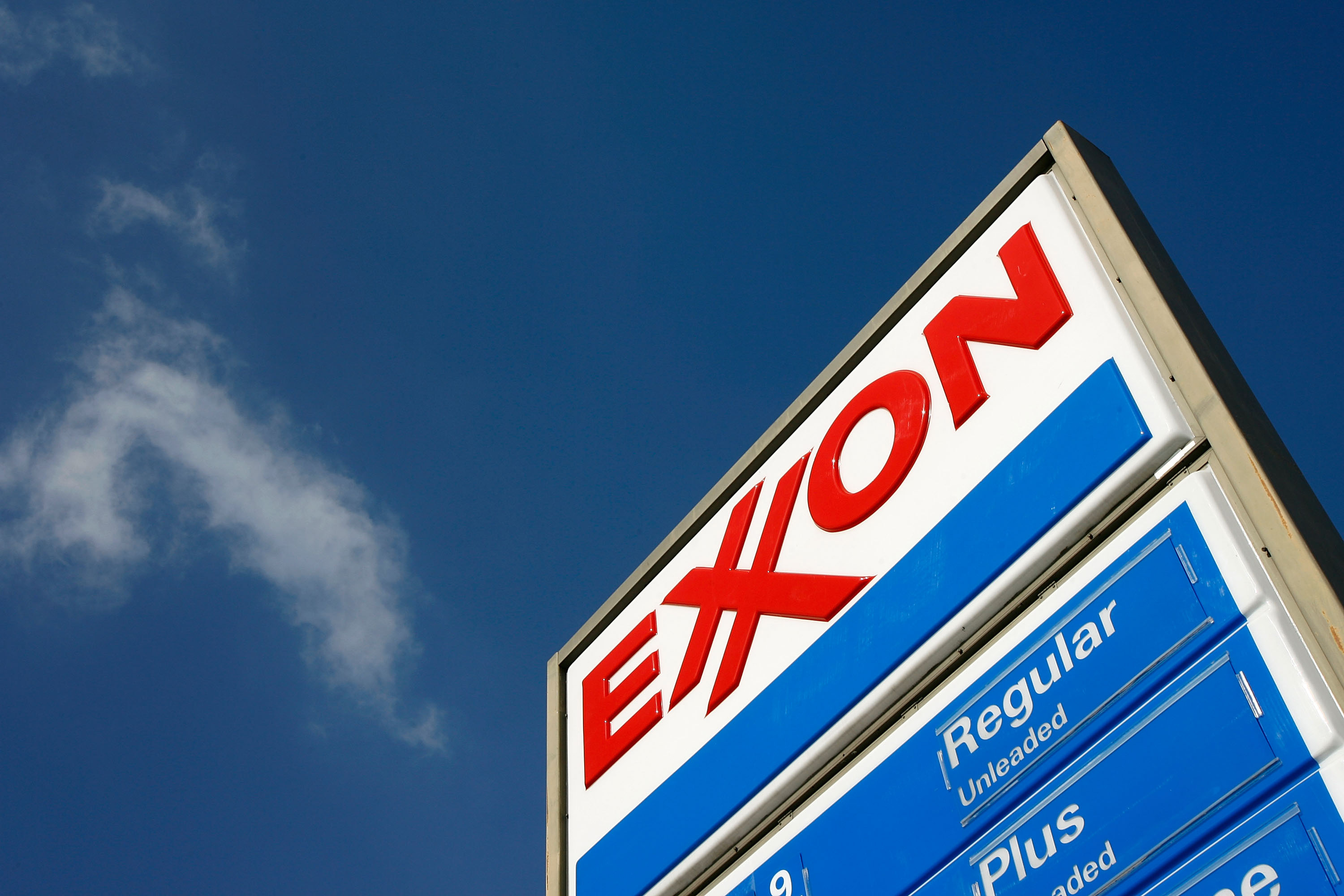 5 etfs to invest in exxon mobil corporation xom investing