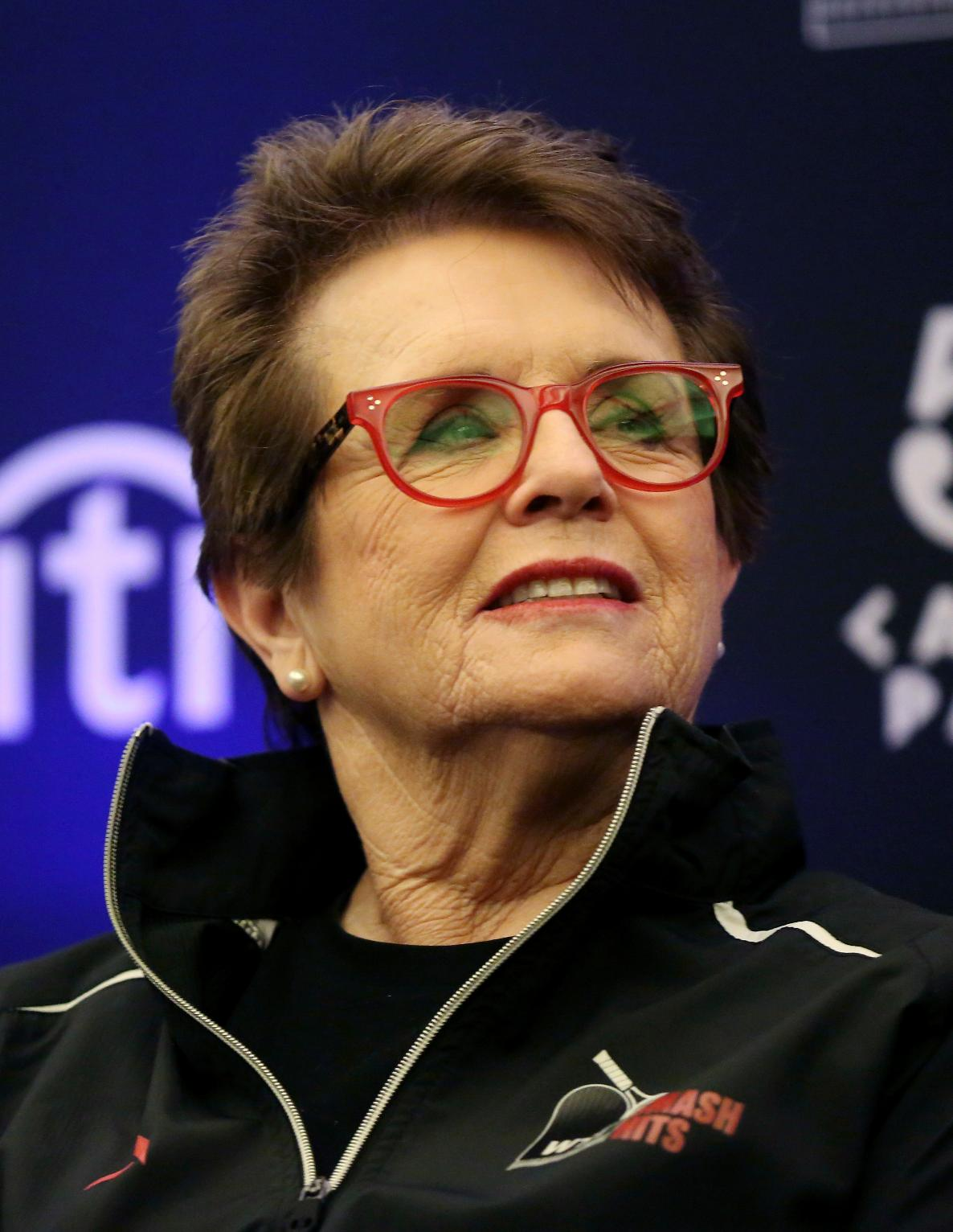 Billie Jean King Praises Northwestern Grads on Inclusion