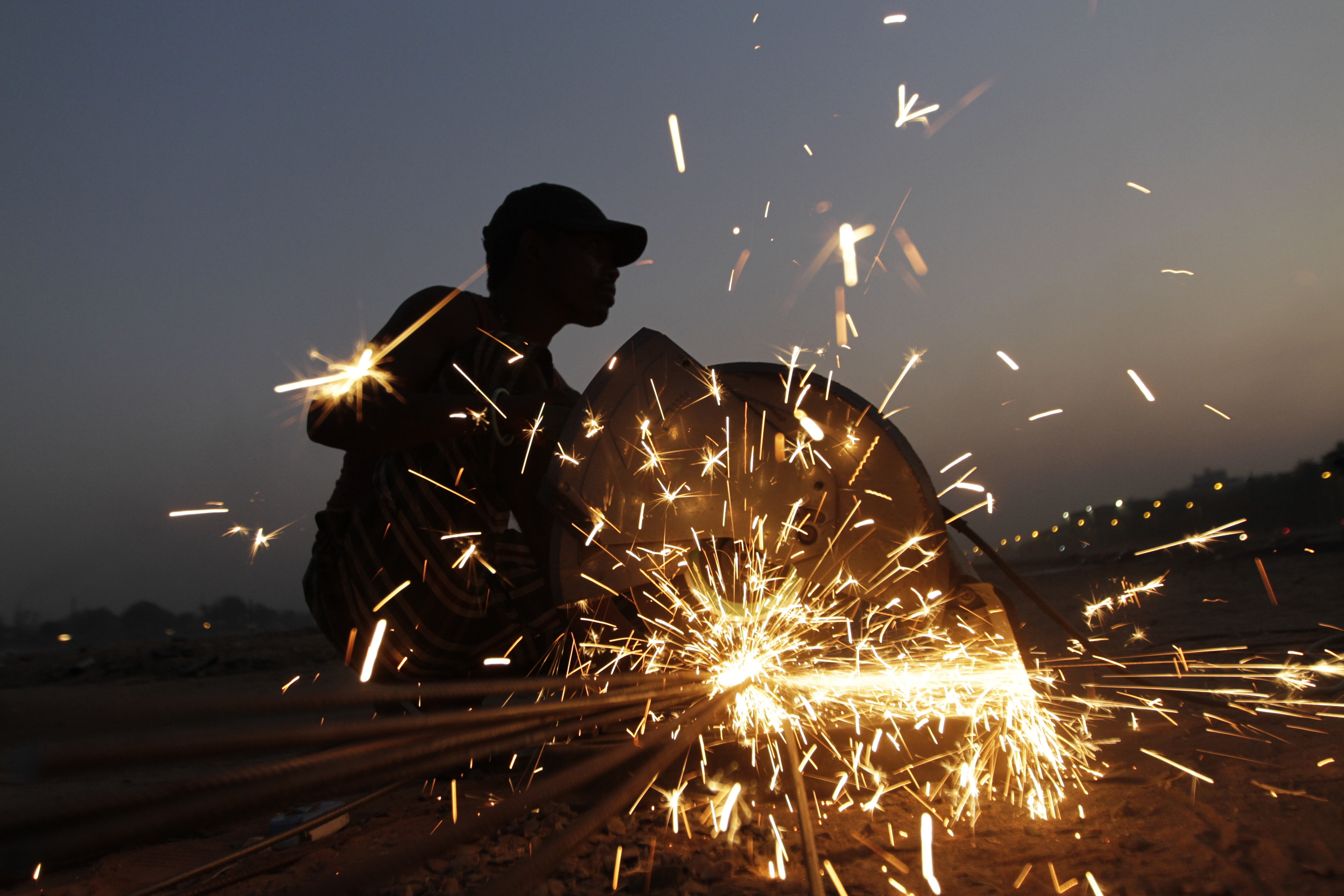 indias deindustrialization What's even more striking, the onset of deindustrialization is now taking place   in india, manufacturing employment began to lose ground (in.