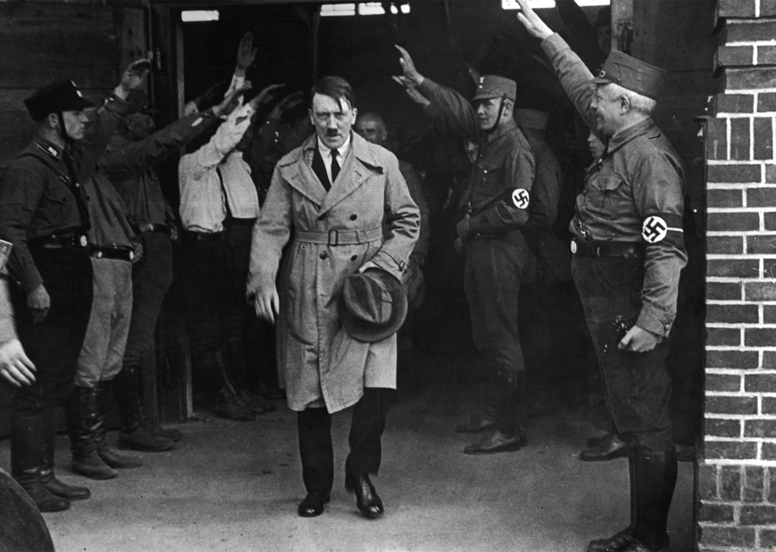 the bad leadership style of adolf hitler during world war ii Brief biography of adolf hitler in world war ii the german people ended in world war and holocaust hitler retained power in leaders of france and.