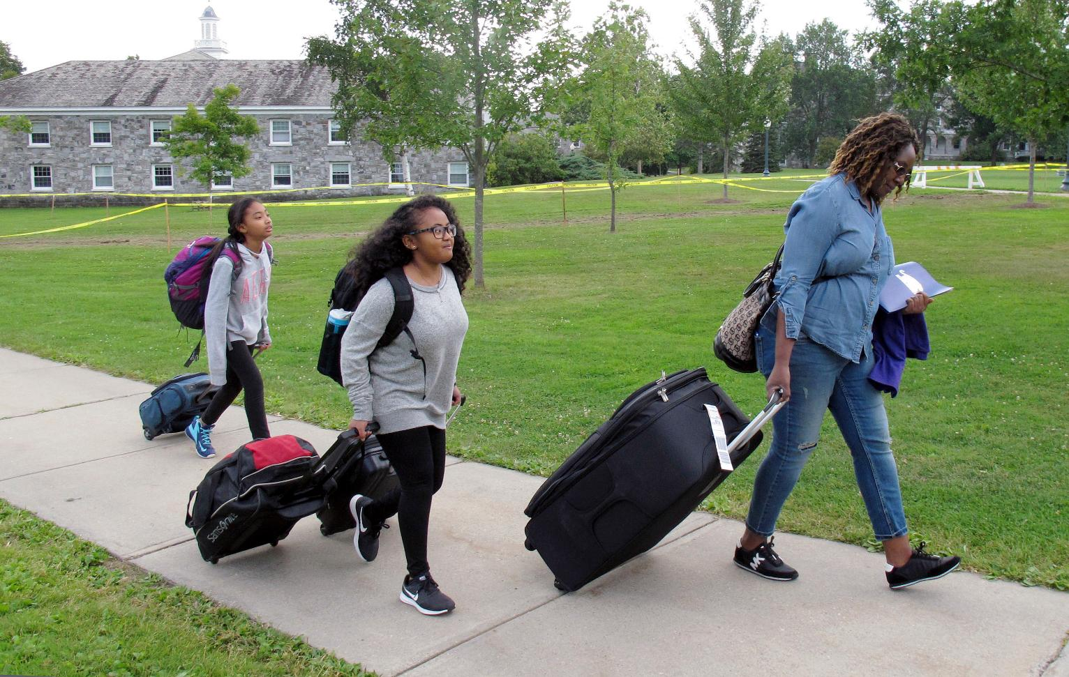 Best Colleges In Minnesota >> Colleges Work to Help First-Generation Students Succeed | Maine News | US News