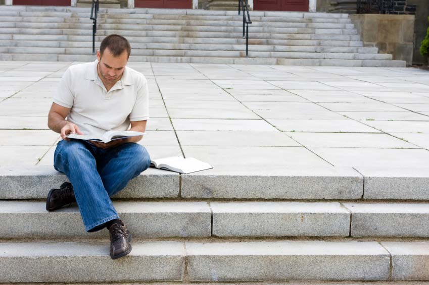 benefits of a college degree essay Advantages of attending a community college campus opportunities for working students and new parents to enjoy the benefits of two-year degrees.