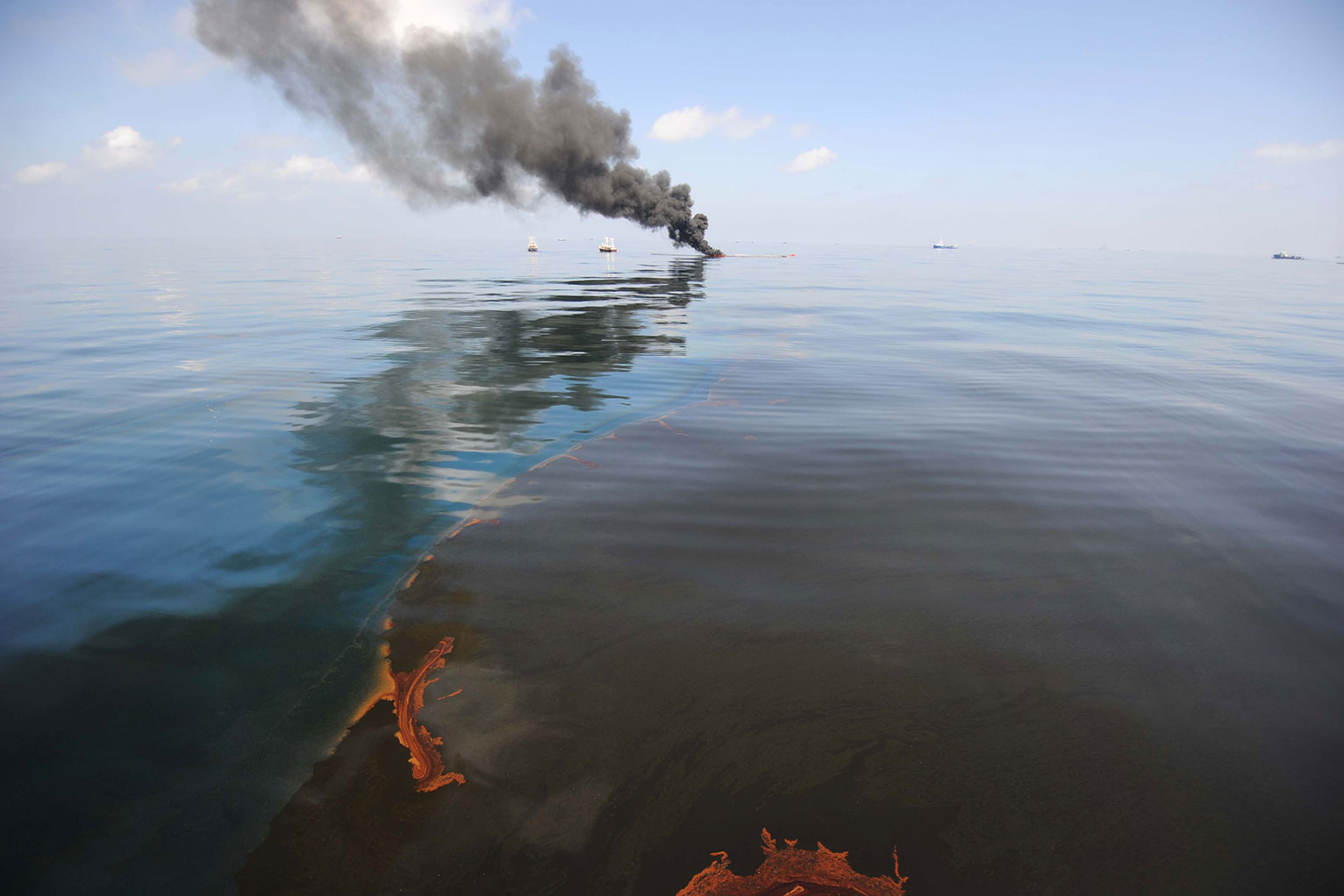 bp oil spill essay Writepass - essay writing - dissertation topics [toc]introductiondeepwater horizon oil spillage in the mexican gulf:implications of the ecological disaster on the bp's share price:bibliography:references:related introduction deepwater horizon oil spillage in the mexican gulf: deepwater horizon platform was an ultra-deepwater, semi.