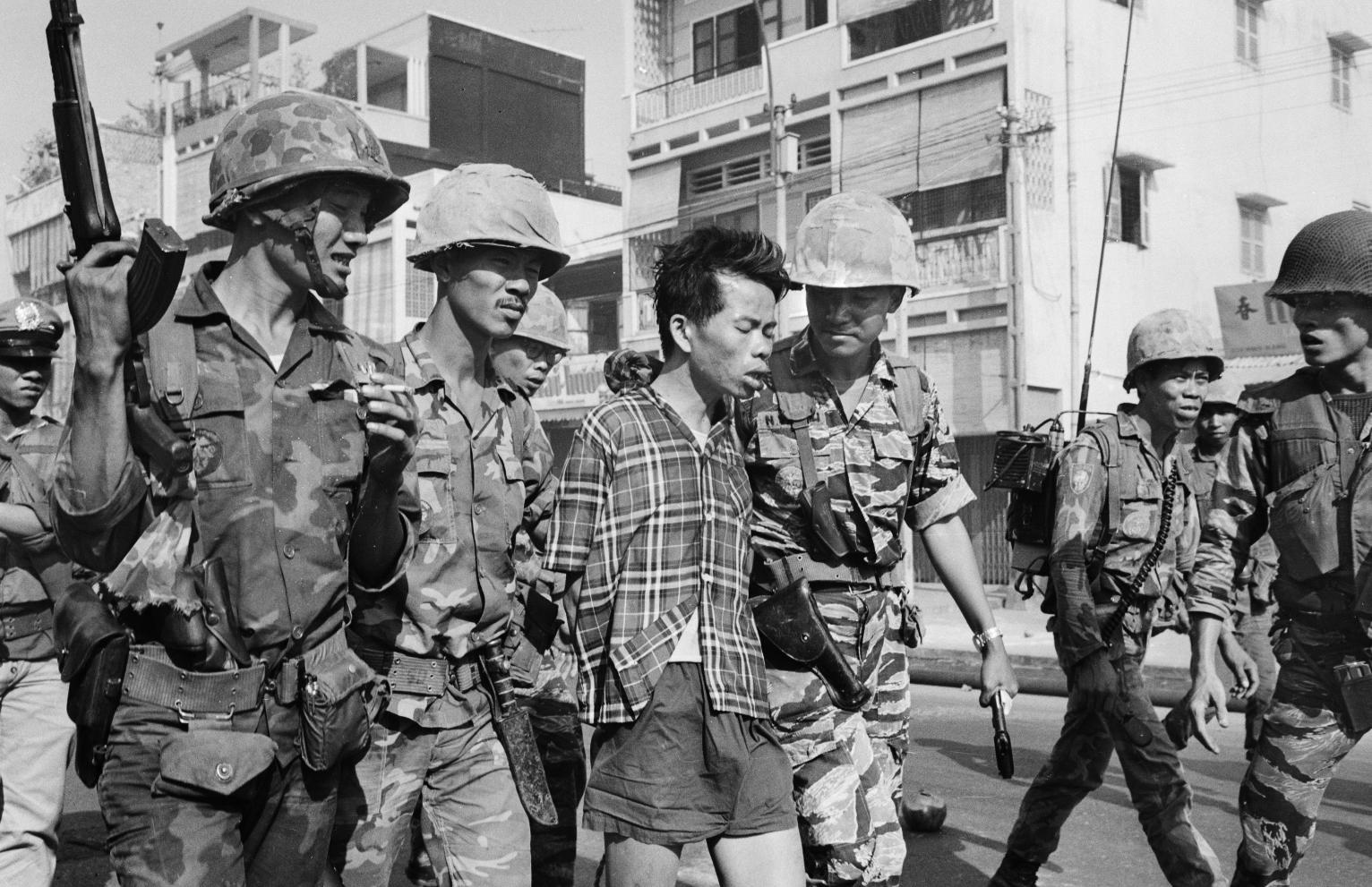 an analysis of vietnam war and the tet offensive vietcong guerrilla fighters The campaign — one of the largest of the vietnam war — led to intense fighting and heavy casualties in cities and towns across or tet as it is known.