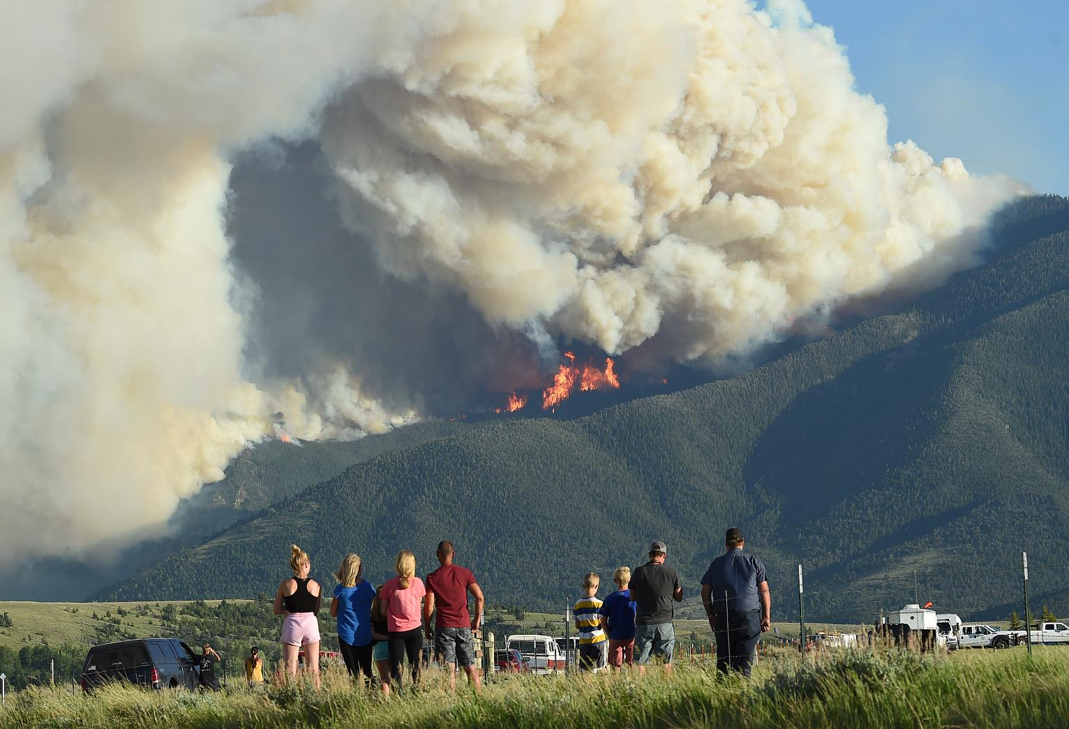 Fires Stoked by Heat, Wind Force Evacuations in Montana   Montana News   US  News