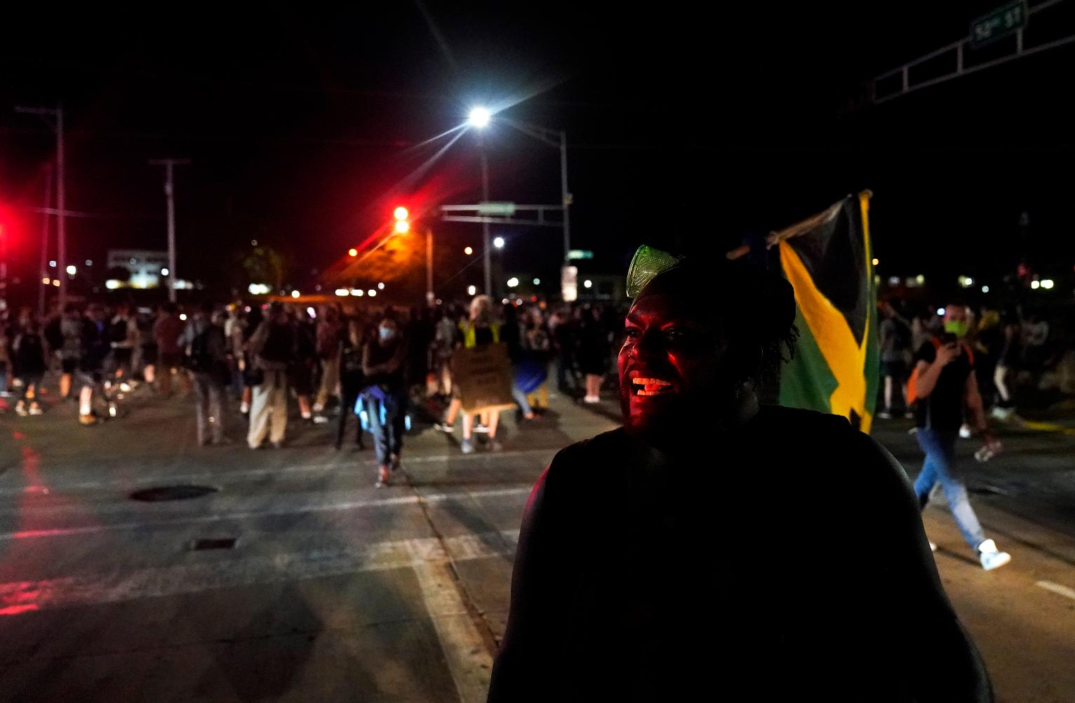 17 Year Old Arrested After 2 Killed During Unrest In Kenosha Wisconsin News Us News