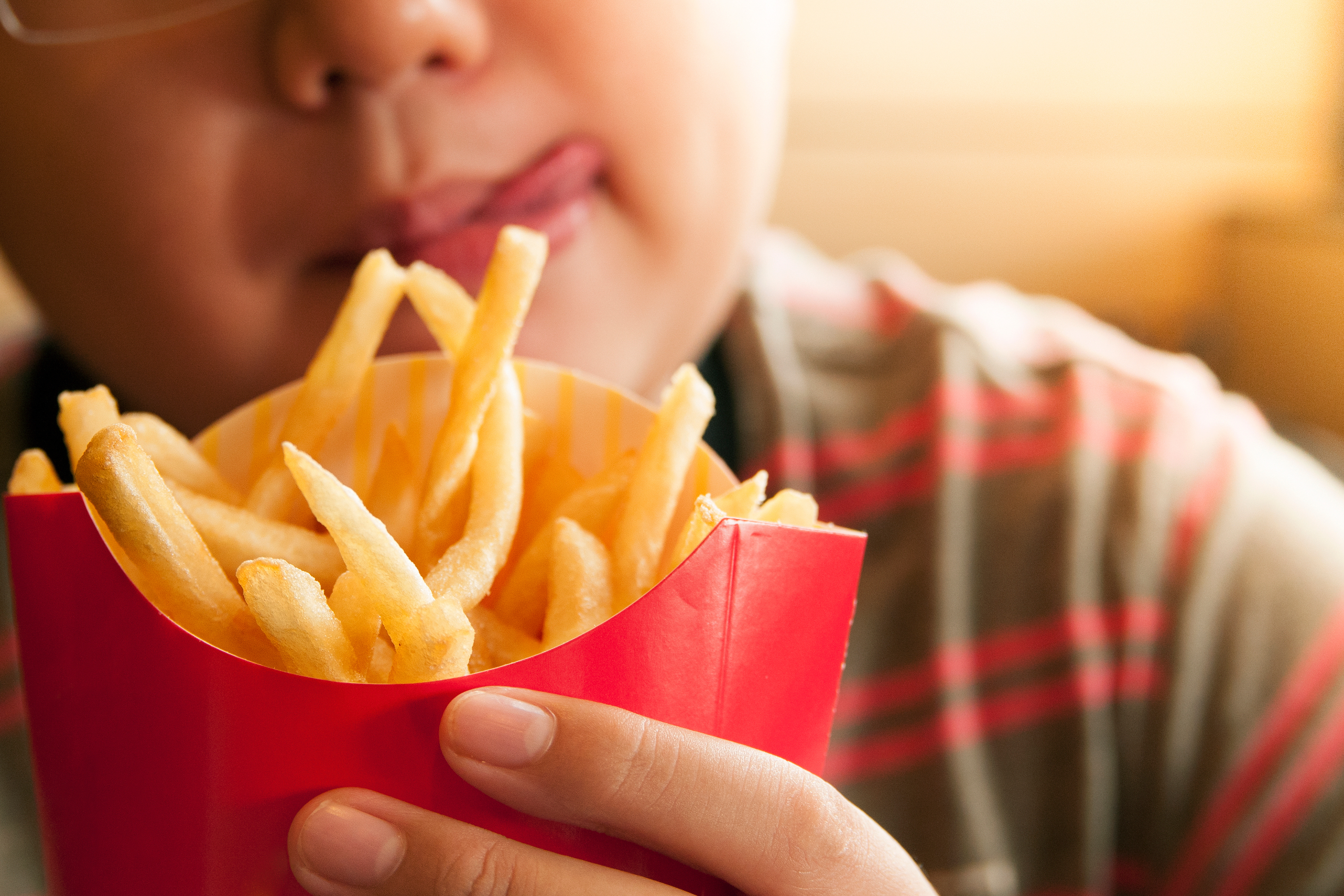 Study Teens Exposed To More Junk Food Ads Eat More Junk Food Health News Us News