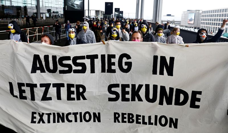 Climate Activists Disrupt Opening of New Airport in Berlin