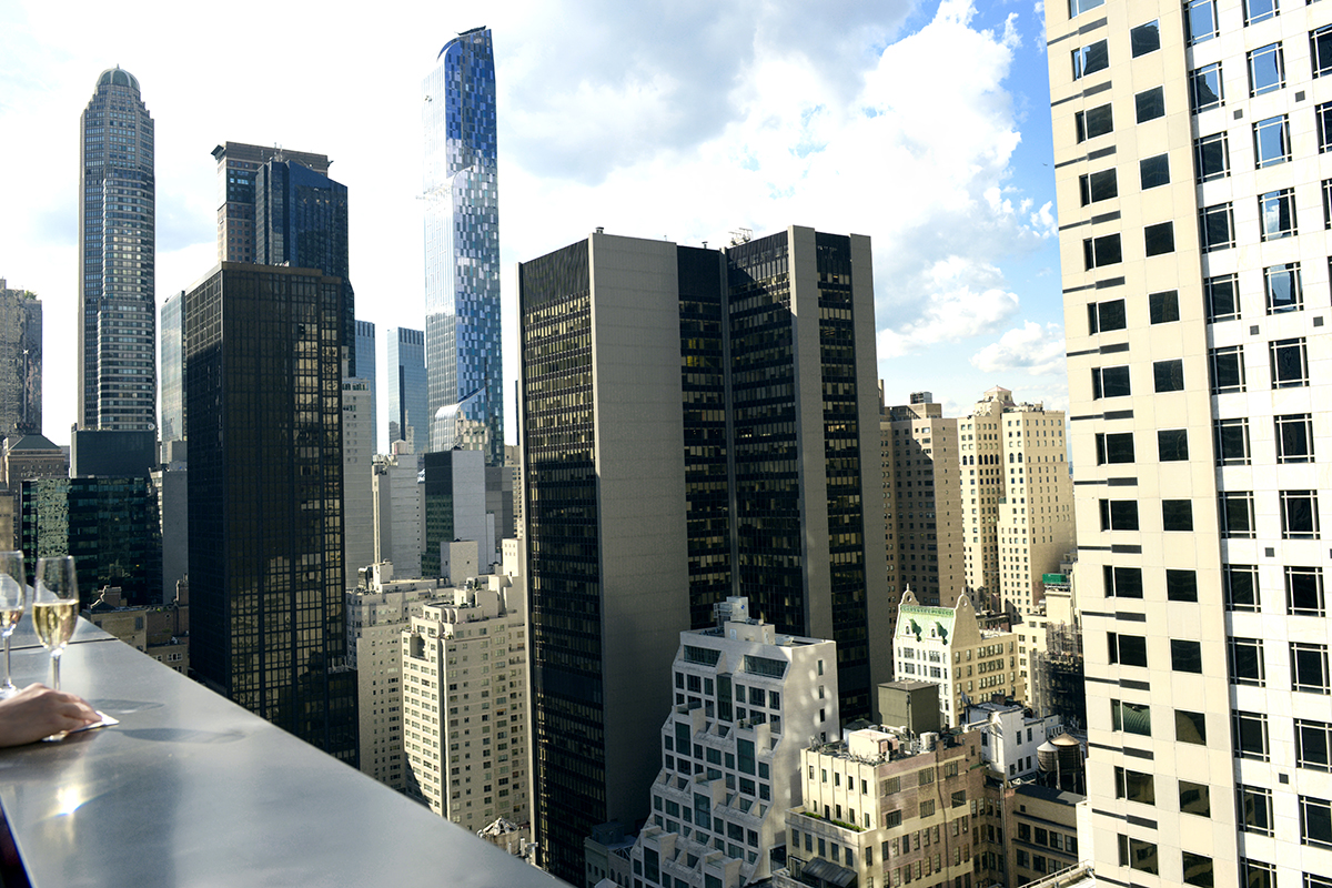 5 Rooftop Bars With the Best Views of New York City ...