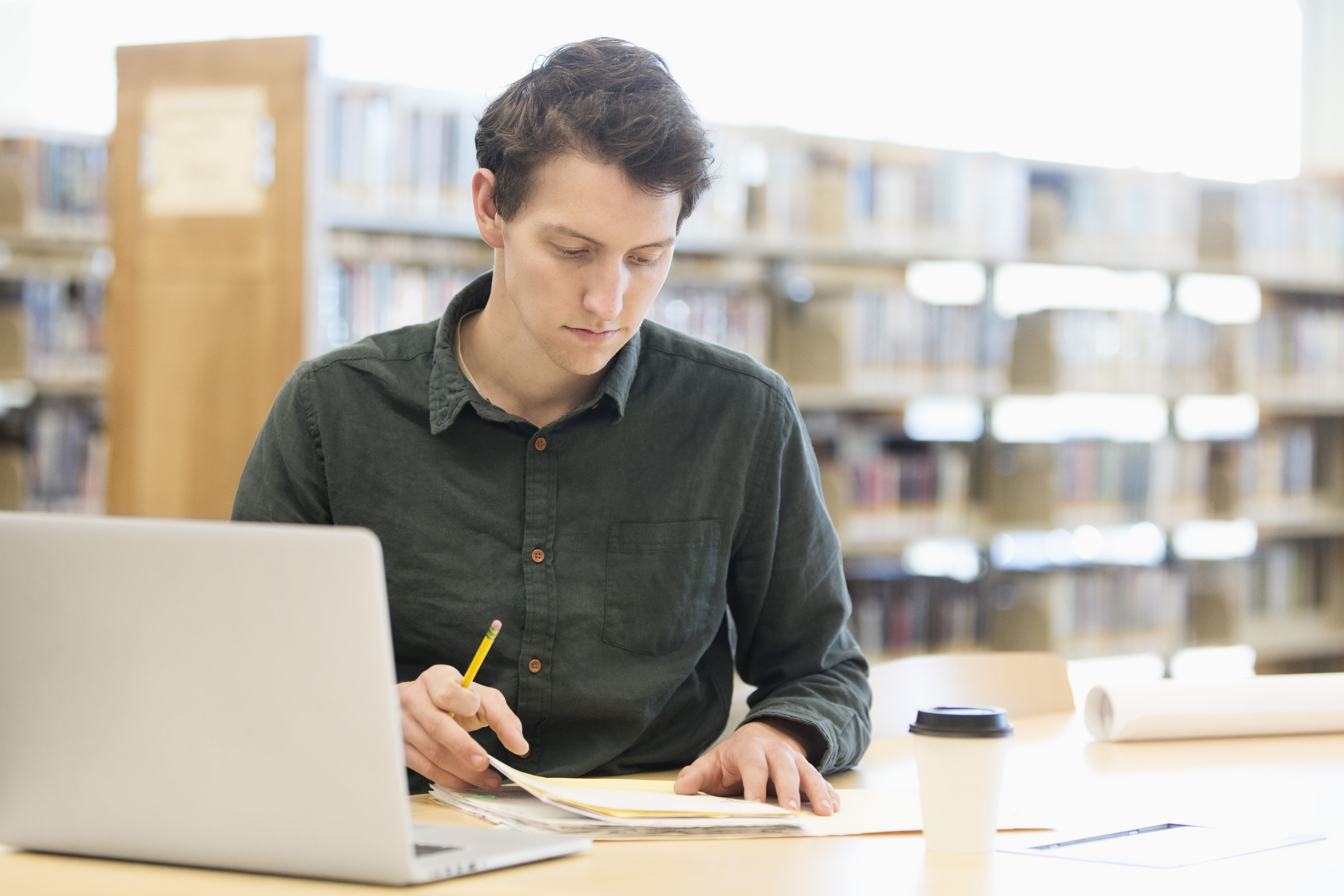 the creative writing choosing the right college Make an extended list of pros and cons of college life, from school size to athletic programs, and numerically rank each in order of importance to you, recommends clinical psychologist jerry weichman.