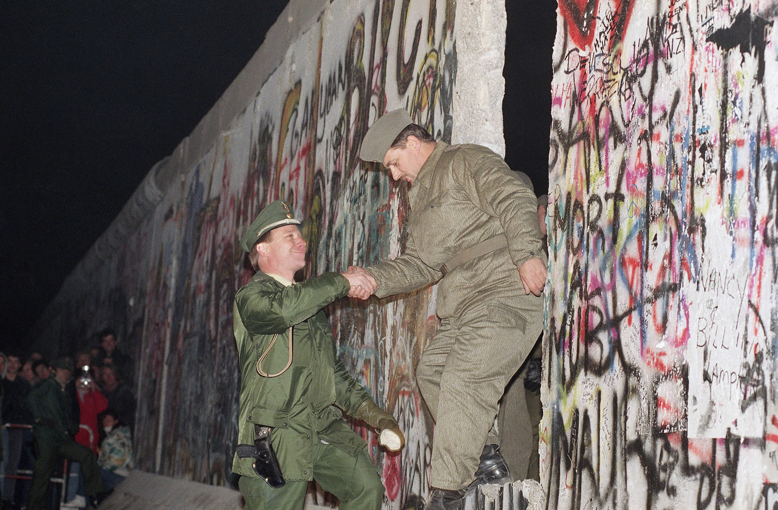 25 Years After The Fall Of The Berlin Wall Lessons For U