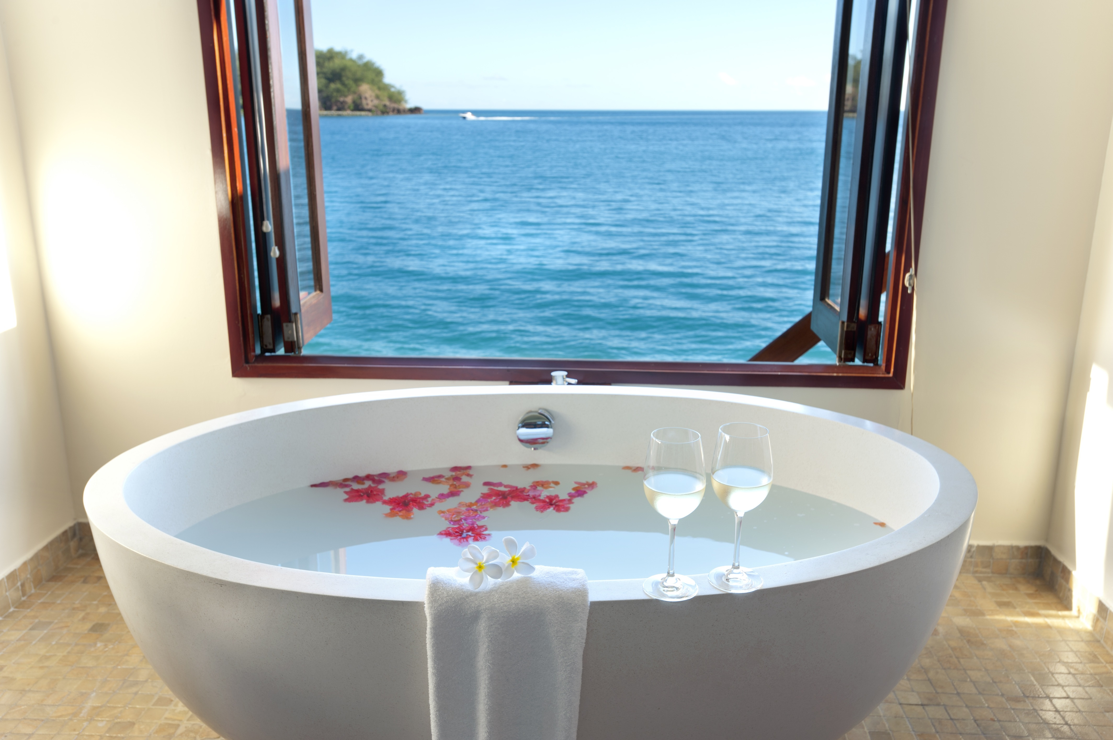 The World S 8 Top Hotel Soaking Tubs En Route Us News